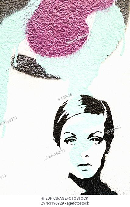 stencil portrait of 60ies fashion icon twiggy, lesley lawson, lisbon, portugal