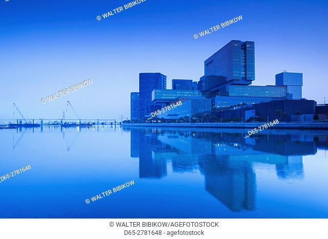 UAE, Abu Dhabi, Al Mariyah Island, new development area, The Cleveland Clinic building, dawn