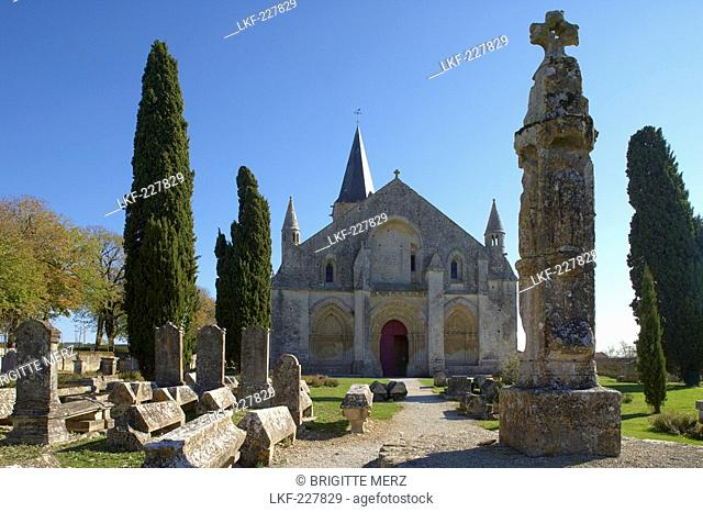 St Peter Church in Aulnay, West facade with Hosanna Cross, The Way of St. James, Chemins de Saint Jacques, Via Turonensis, Dept