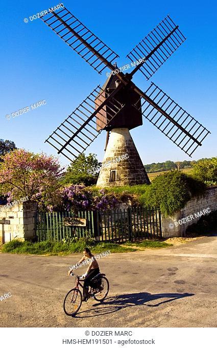 France, Maine et Loire, Loire Valley, Montsoreau, labelled Les Plus Beaux Villages de France The Most Beautiful Villages of France