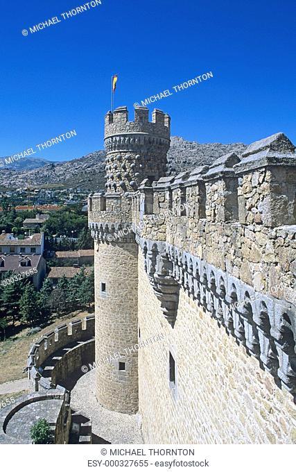 El Castillo de Manzanares el Real The Royal Castle of Manzanares - Restored in 15th Century Spain