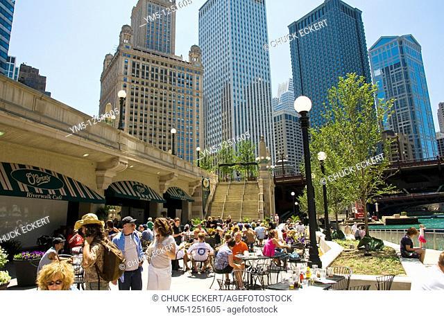 O'Brien's sidewalk cafe at Chicago's Riverwalk