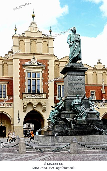 Poland, market with Adam Mickewicz monument and cloth halls in Cracow