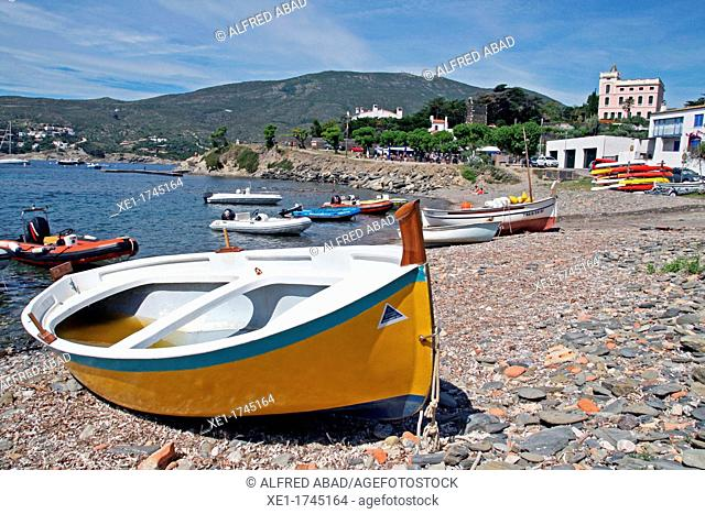 boats, beach Ses Oliveres, Cadaques, Catalonia, Spain