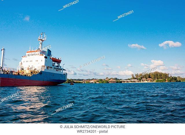 Tanzania, Zanzibar, Pemba Island, ship near Pemba