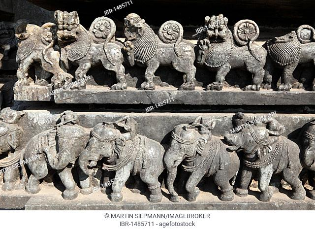 Rows of lions and elephants, reliefs on the outer wall of the Hoysaleswara Temple, Hoysala style, Halebidu, Karnataka, South India, India, South Asia, Asia