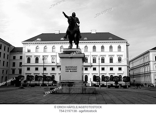 Siemens headquarters and equestrian statue of Churfuerst Maximilian of Bavaria, Briennerstrasse, Munich