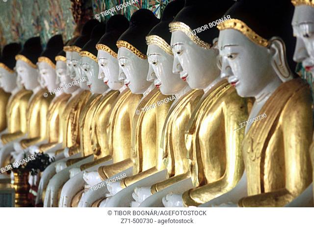 Onhmin Thonze pagoda. Buddhas. Sagaing. Myanmar (Burma)