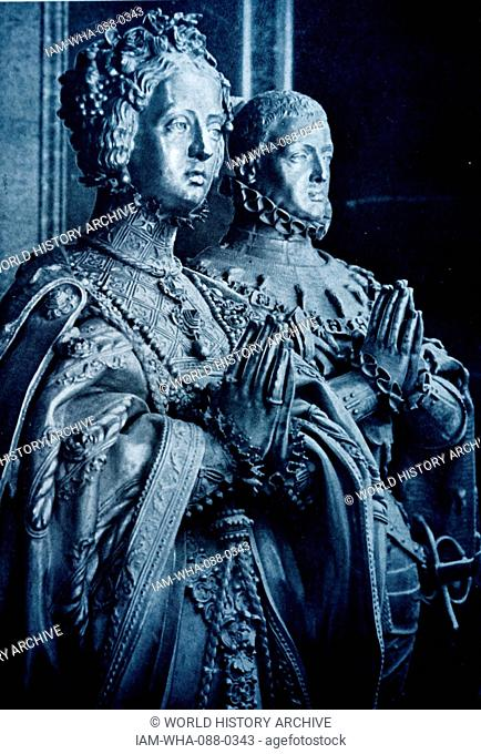 Statue of Queen Consort, Anne of Austria and King Louis XIII of France. Dated 17th Century
