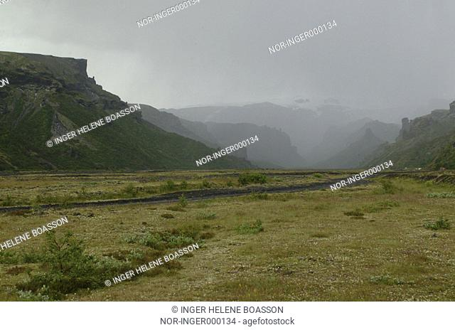 Rain coming down in Thorsmork