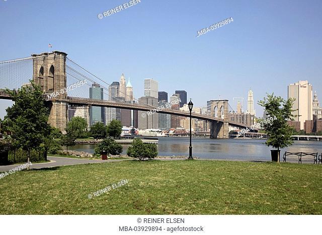 usa, New York city, Brooklyn bridge Hudson River