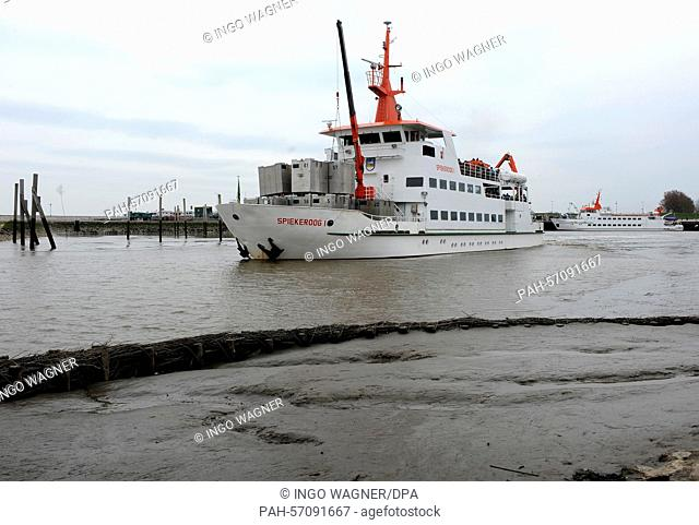 The ferry 'Spiekeroog I' begins is passage to the East Frisian island of Spiekeroog fully booked from Neuharlingersiel, Germany, 28 March 2015