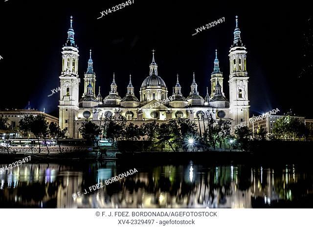 Pilar's Basilica of Zaragoza by night, Aragón, Spain