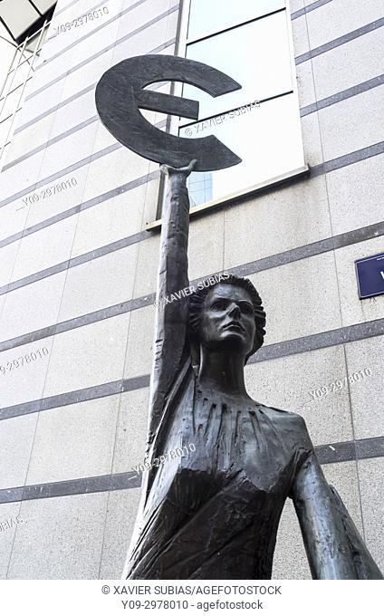 Euro monument, Paul-Henri Spaak Building, European Parliament, Brussels, Belgium