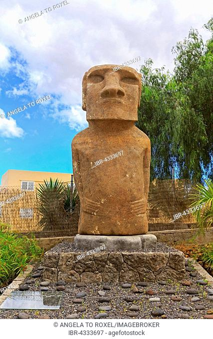 Moai sculpture, ethnographic park Pirámides de Güímar, Güímar, Santa Cruz de Tenerife, Tenerife, Spain