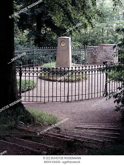 Oßmannstedt bei Weimar, Grabanlage/ Chr. M. Wieland, verstorben 1813, Dorothea Wieland, verstorben 1801, Sophie Brentano, verstorben 1800