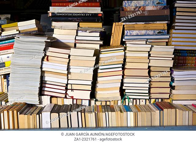 MADRID, SPAIN-DECEMBER 5-Rows of secondhand books for sale at outdoor market in the Park El Retiro, on December 5, 2011 in Madrid, Spain