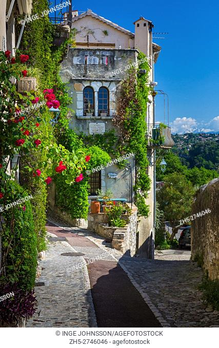 Street in Saint Paul de Vence in southern France. . -----. Saint-Paul or Saint-Paul-de-Vence is a commune in the Alpes-Maritimes department in southeastern...