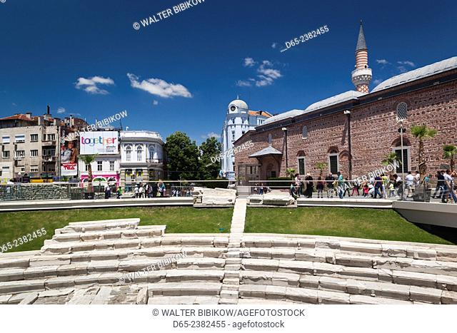 Bulgaria, Southern Mountains, Plovdiv, Ploshtad Dzumaya Square, ruins of Roman Stadium