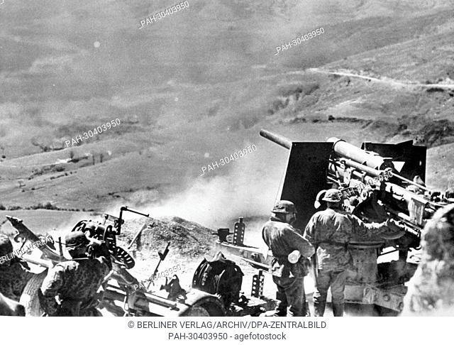 Artillery of the German Wehrmacht in Greece in May 1941. After the occupation of Greek from April to May 1941 by the German Wehrmacht and their Italian and...