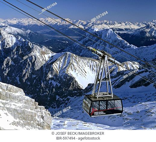 Gondola lift up the Zugspitze, Germany's highest mountain, Wetterstein Range, Werdenfels Region, Upper Bavaria, Bavaria, Germany, Europe