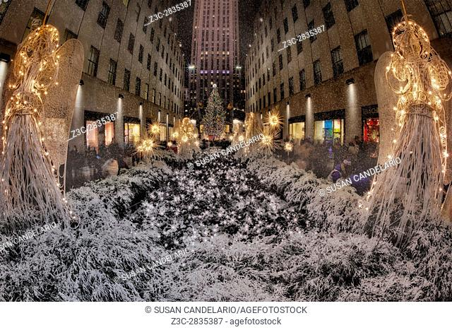 Rockefeller Center Christmas NYC - The Rockefeller Center Christmas Tree is a world wide symbol of the holidays in New York City