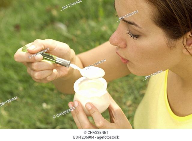 WOMAN, DAIRY PRODUCT<BR>Model