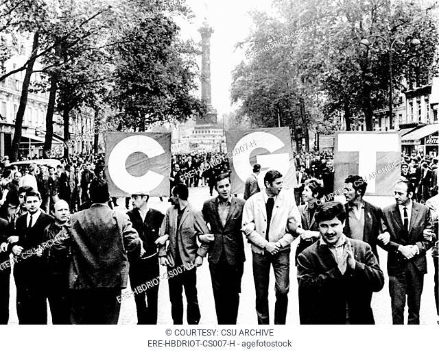 RIOT-Demonstrators leaving the Place de Bastille & marching to downtown Paris. 5/24/68