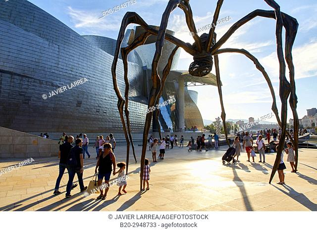 Maman sculpture, by Louise Bourgeois, Guggenheim Museum, Bilbao, Bizkaia, Basque Country, Spain, Europe