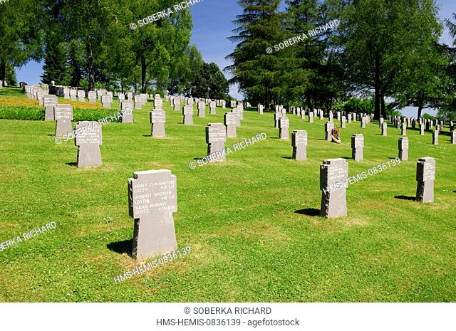 France, Ardennes, Noyers Pont Maugis, German graves in the cemetery of Noyers Pont Maugis dating from World War I