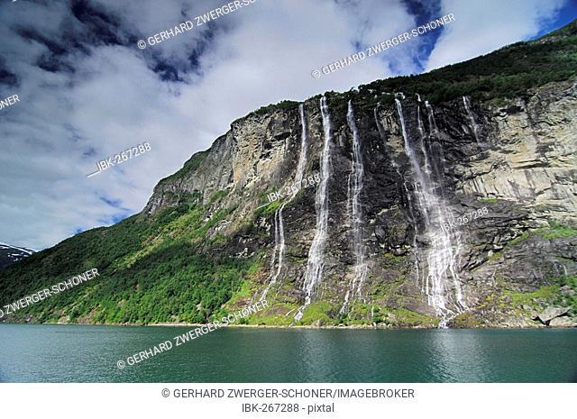 Waterfall: The seven sisters, Geiranger Fjord, Hellesylt, More og Romsdal, Norway