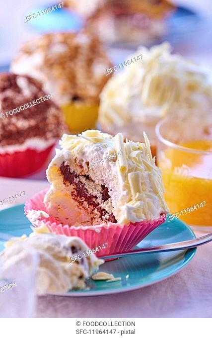 Merveilleux (meringue with cream, France)