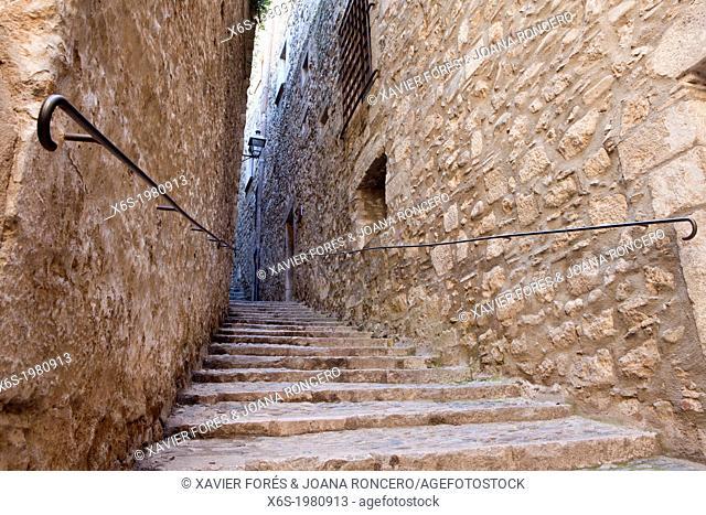 Sant Llorenc Street - Carrer de Sant Llorenç - in the Jewish quarter named El Call, Girona, Spain
