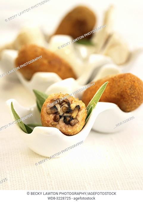 Croquetas de champinones / Croquettes of mushrooms