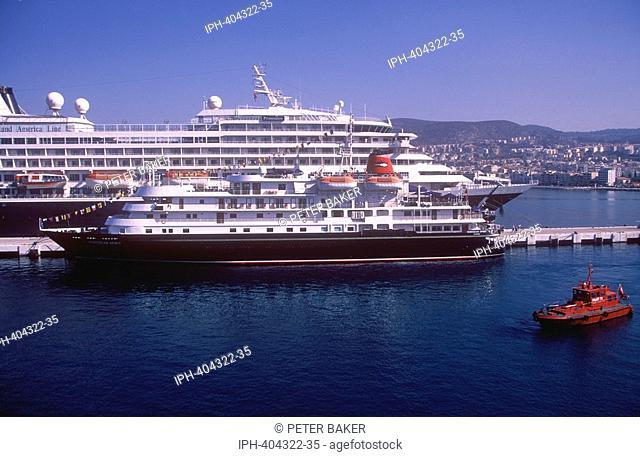 Kusadasi - Cruise liner and ferry port