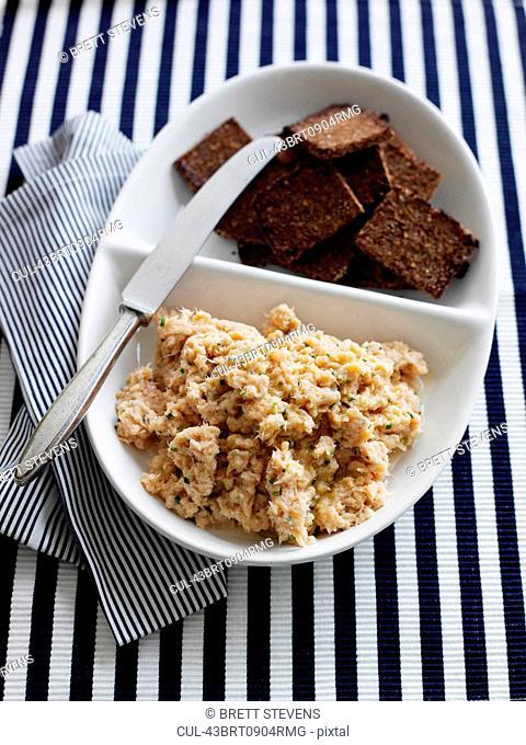 Platter of humus and crackers