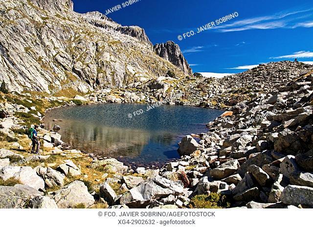 Lago o Ibón alto de Remuñe. Valle de Benasque. Provincia de Huesca. Pirineo Aragonés. España. EuropaPirineos. España. Europa