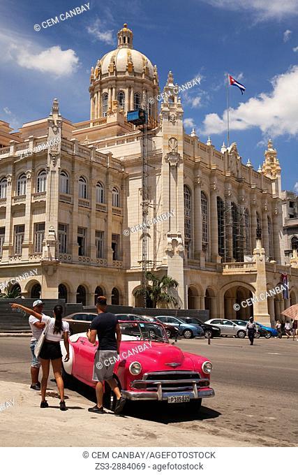 Vintage American car used as taxi in front of the Revolution Museum-Museo de la Revolucion in Central Havana, La Habana, Cuba, West Indies, Central America