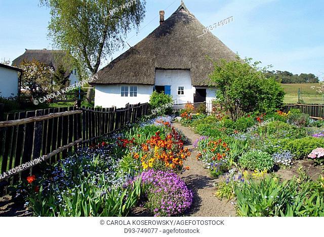 D, Germany, Europe, Mecklenburg Western Pomerania, Rügen, Ruegen, Mönchgut, Gross-Zicker, Pfarrwitwenhaus, Village, Cottage, Building, House, Spring, Springtime