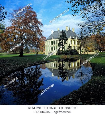 Germany, Huenxe, Lippe, Wesel-Datteln Canal, nature reserve Hohe Mark, Lower Rhine, Ruhr area, North Rhine-Westphalia, NRW, Huenxe-Gartrop-Buehl, castle Gartrop