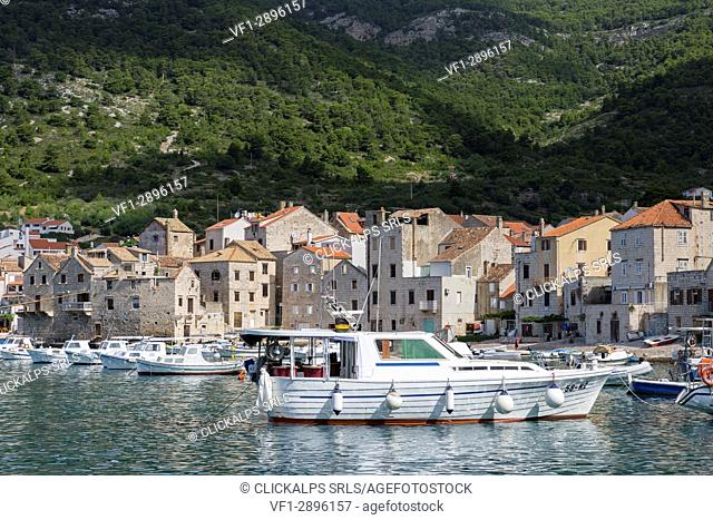 View of Komiza village (Komiza, Vis, Vis Island, Split-Dalmatia county, Dalmatia region, Croatia, Europe)