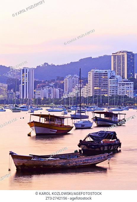 Brazil, City of Rio de Janeiro, Sunset over Botafogo Bay viewed from Urca