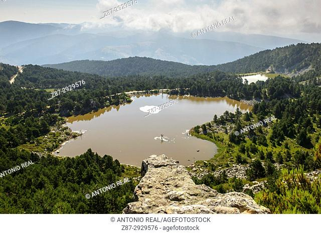 Laguna de los Patos y laguna Brava. Parque Natural de las Lagunas de Neila. Neila. Burgos province, Castile-Leon, Spain