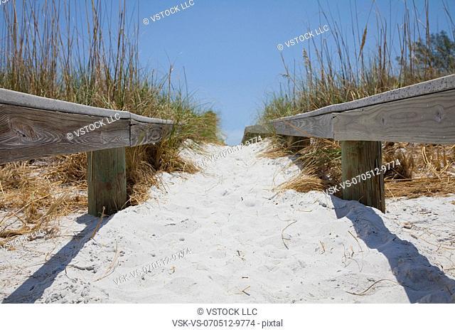 USA, Florida, St. Petersburg, Pathway on beach