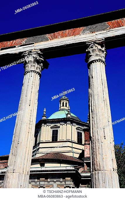 Italy, Milan (city), basilica San Lorenzo and a part of the Corinthian marble columns, Chiesa di San Lorenzo Maggiore