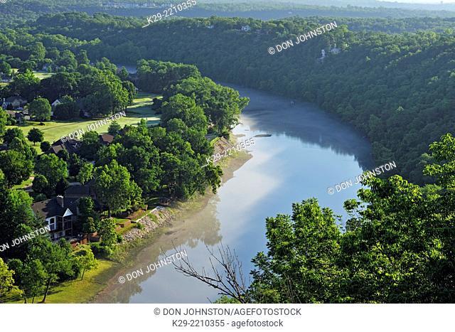 White River below Table Rock Dam, Table Rock SP, Branson, Missouri, USA