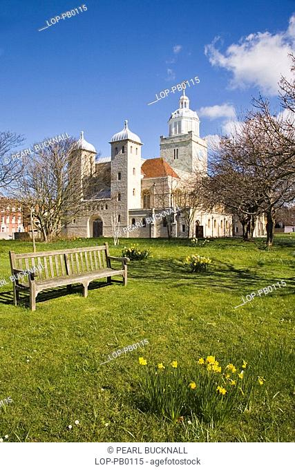 England, Hampshire, Portsmouth, A view toward the Cathedral Church of St Thomas of Canterbury in spring