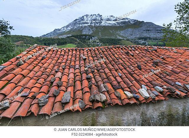 Socueva, Arredondo, Valles Pasiegos, Cantabria, Spain, Europe