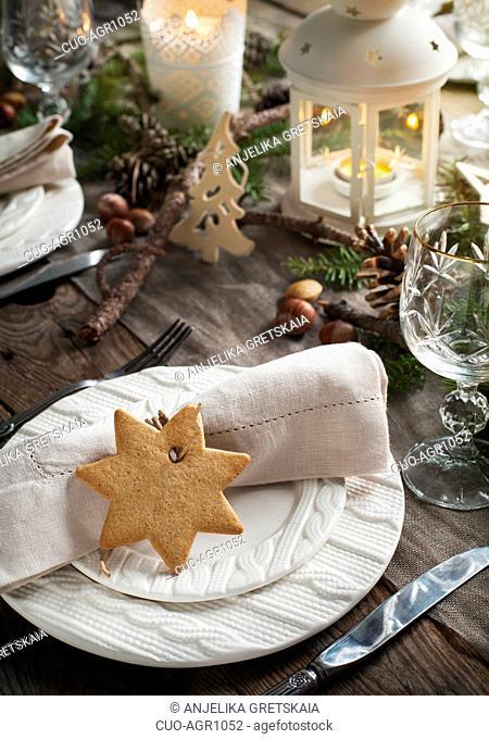 Christmas table setting. Holiday Decorations