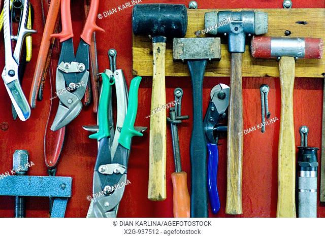 Display of working tools